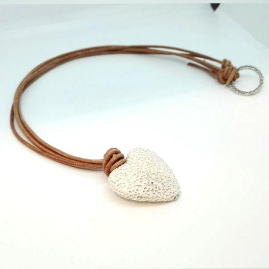 PENDANT WHITE LAVA HEART BROWN LEATHER (L108)