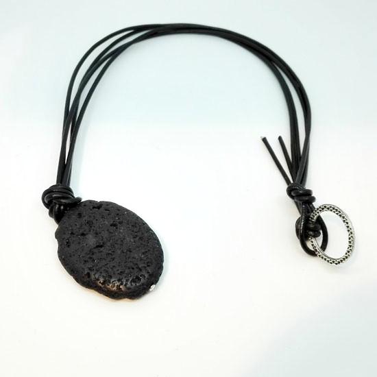 PENDANT BLACK LAVA BLACK LEATHER (L103)