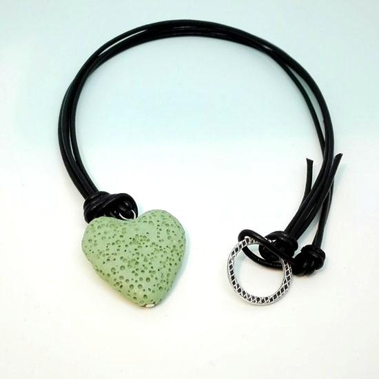 PENDANT GREEN LAVA HEART BLACK LEATHER (L111)